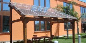 Tettoia fotovoltaico giardino