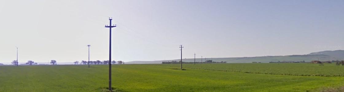 Linee elettriche su terreni per fotovoltaico